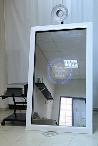 Electric Entertainment magic-mirror-photobooth Picture